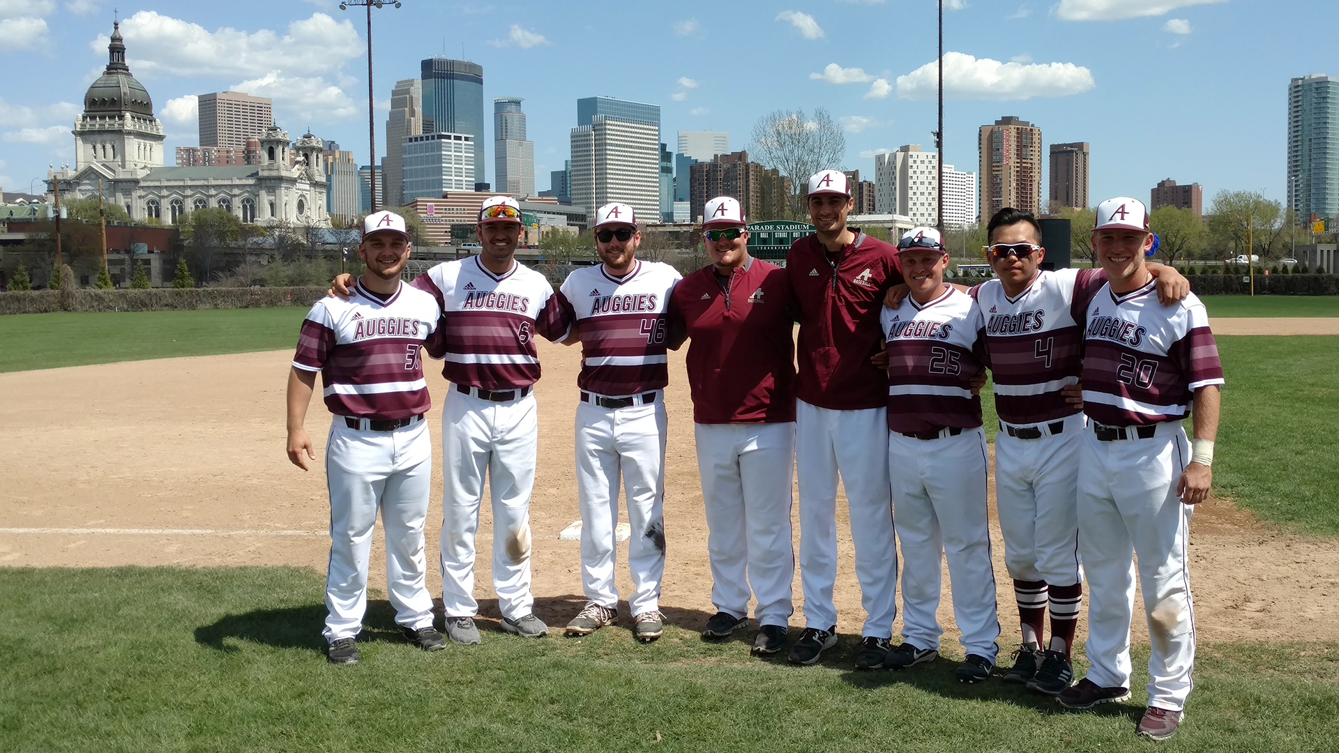 Bb Augsburg 11 run inning leads to augsburg win in season finale the official